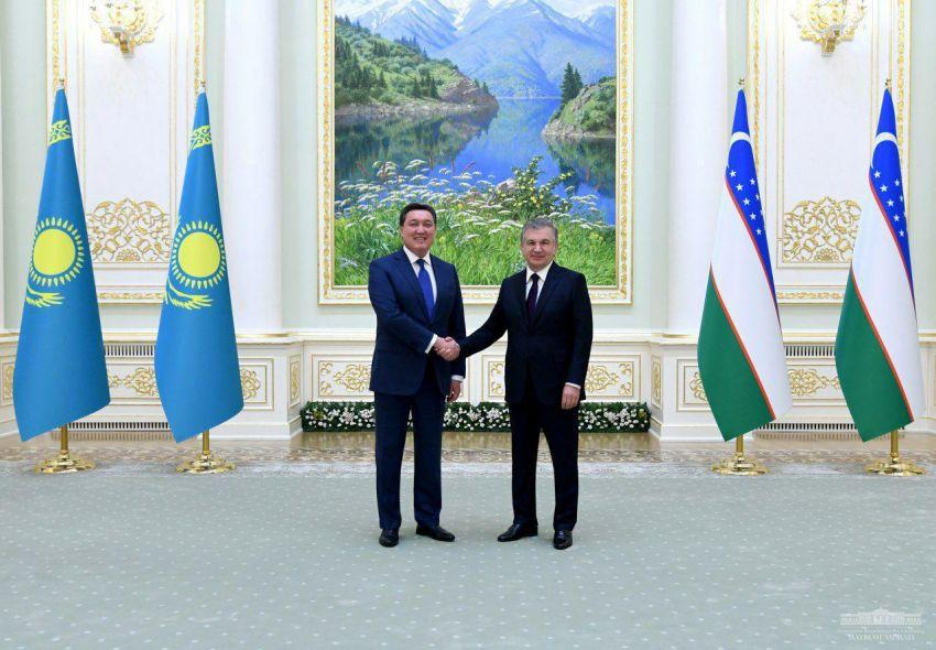 Шавкат Мирзиёев принял Премьер-министра Казахстана